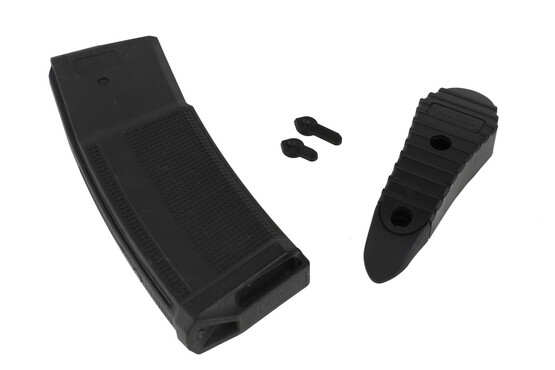 The Daniel Defense MK 12 AR 15 comes with a 32 round DD magazine and ambidextrous safety selector